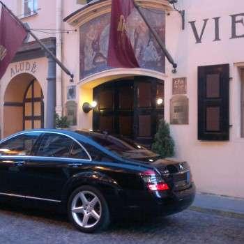 Prabangių automobilių nuoma Vilniuje
