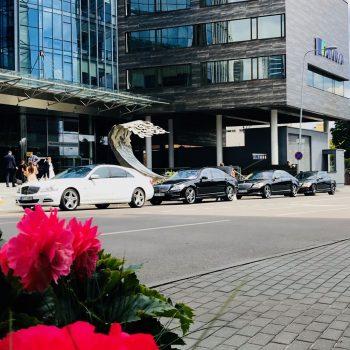 Mercedes Benz automobilių nuoma ypatingoms progoms